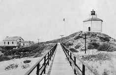 Ano Nuevo Lighthouse, California at Lighthousefriends.com