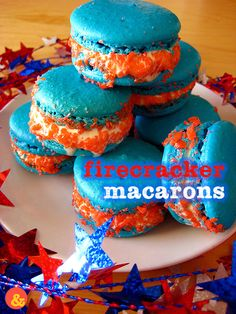 Firecracker Macarons: Chewy French macarons stuffed with vanilla ice cream and rolled in strawberry Pop Rocks candy! Perfect for 4th of July parties. #summer #dessert