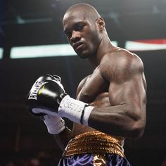 WBC World Heavyweight Champion and Everlast athlete, Deontay 'The Bronze Bomber' Wilder. Bronze Bomber, Mind Over Body, Deontay Wilder, Ufc Boxing, Wbc, Gym Gear, Boxing Gloves, Way Of Life, Gym Workouts