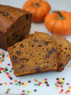 Skinny Pumpkin Chocolate Chip Bread | ChezCateyLou.com #PumpkinWeek #fall