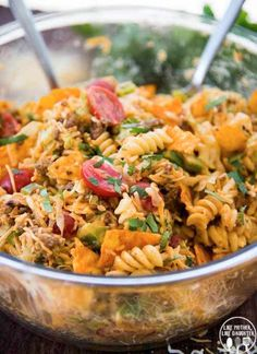 Taco Pasta Salad is a delicious pasta salad made with Mexican flavors, seasoned ground beef, crunchy doritos, and a delicious creamy dressing! **This delicious Taco Pasta Salad is sponsored by Horizo Easy Pasta Salad Recipe, Best Pasta Salad, Taco Salad Recipes, Mexican Food Recipes, Beef Recipes, Dinner Recipes, Cooking Recipes, Healthy Recipes, Taco Pasta Salads