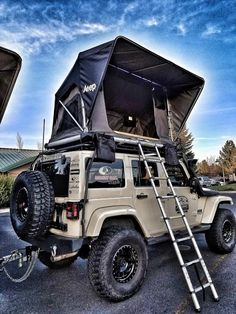 Jeep Roof Top Tent Whether it's a short or long adventure. Freespirit's line up of Jeep roof top tents keeps you high and dry for any camping or hunting trips. We pride ourselves on the quality and te feel free to go camping Accessoires De Jeep Wrangler, Accessoires Jeep, Jeep Wrangler Accessories, Jeep Accessories, Camping Accessories, Jeep Camping, Camping Info, Jeep Wrangler Camping, Outdoor Camping