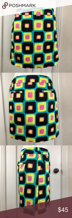 """Loudmouth Ladies NWT retro print golf skirt New with tag never worn Loudmouth Ladies golf skirt with built in shorts. Hidden zipper on side, four pockets total. Bright vibrant colors! Really a fantastic skirt. Size 8. Smoke free home. Aprox 1.5"""" vents on each side. loudmouth ladies Skirts Mini"""
