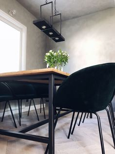 Fiskbensbord – steg för steg – Josefin Lustig Inspiration, Furniture, House, Dining Chairs, Conference Room Table, Interior Design, Home Decor, House Interior, Room