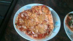Pizza de pechuga de pavo y queso