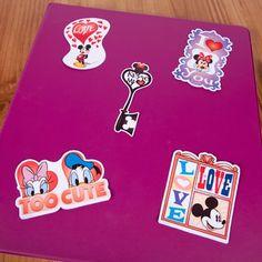 Free printable Mickey & Friends Valentine's Stickers #Disney
