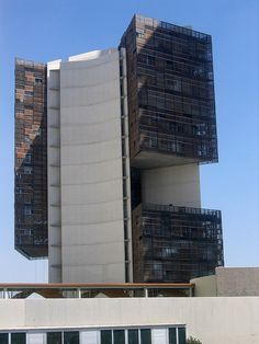 Torre Cube, Guadalajara Mexico   ESTUDIO DE ARQUITECTURA  Carme Pinós