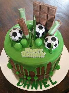 Soccer chocolate drip cake for teenager Football Birthday Cake, Number Birthday Cakes, Soccer Birthday Parties, Cool Birthday Cakes, Rugby Cake, Soccer Cake, Cakes For Teenagers, Chocolate Footballs, Sports Themed Cakes