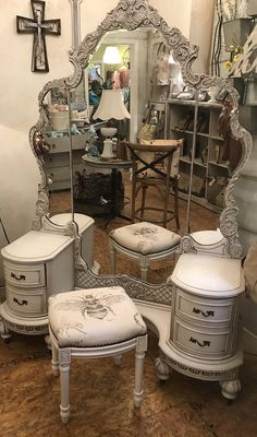 "Antique ""Jacqueline""  Cottage painted Depression Era Dressing Table / Vanity - I've always wanted a vanity!"