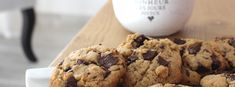 Recette vegan #23 : Cookies américains - La petite Okara Desserts With Biscuits, Cookies Et Biscuits, Dessert Biscuits, Tacos Vegan, Mets, Krispie Treats, Vegan Recipes, Vegan Food, Cereal
