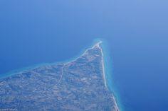 Pointe de sable près de Possidi, sur la péninsule de Cassandra, en Grèce. By Cedric Lahaeye Flickr - Photo Sharing! Beach Fun, Beaches, Photos, Outdoor, Outdoors, Pictures, Sands, Outdoor Games, The Great Outdoors