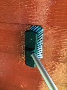 Use a soft siding brush to remove any dirt from the aluminium siding. Outdoor Projects, Home Projects, Outdoor Decor, How To Clean Aluminum, Aluminium Doors, Sparkling Clean, Plastic Sheets, Small Gardens, Just Giving