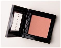 Bobbi Brown Nude Peach Blush. A not so bright, but very pretty shade for everyday.