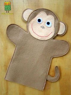 ideku handmade: hand puppets are coming!- ideku handmade: hand puppets are coming! Glove Puppets, Felt Puppets, Felt Finger Puppets, Hand Puppets, Monkey Pattern, Puppet Patterns, Doll Patterns, Puppet Making, Operation Christmas Child