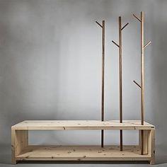 Garderobe aus Holz | Sitzbank mit stilisierten Bäumen zum Aufhängen der Kleidung