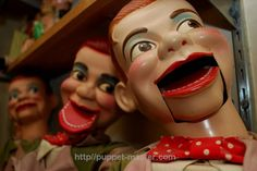 4 types of voices that you can give your sidekick to make the #illusion more surreal. <> http://puppet-master.com/give-life-to-dummy-true-ventriloquist-definition/ #ventriloquism #ventriloquist #doll #dummy #puppet #alive