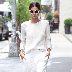 いつものスタイルも白を取り入れるだけで、初夏らしいクリーンな装いに変身。テイラー・スウィフトにケンダル・ジェンナーほか、最旬セレブの着こなしを参考にして。