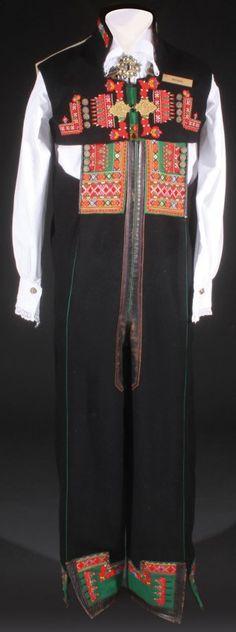 NORWEGIAN MEN'S SETESDAL BUNDAD FOLK DRESS