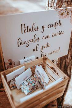 Pétalos y confeti para tu boda #bodas #wedding #matrimonio #bodasnet #conos #petalos #confeti #inspiration #weddingphotography
