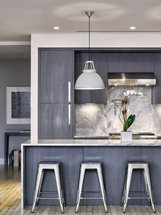 Palette Profile - A #Kitchen With Deep Greys, Quartzite, And Brushed Nickel