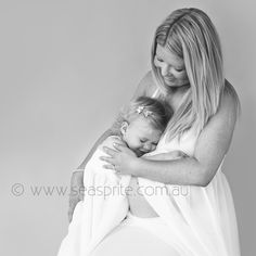 Gorgeous, genuine smiles and cuddles with mum and a baby sibling to be