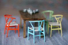3D printed miniature house dollhouse modern miniatures   http://www.shapeways.com/blog/archives/20229-moder-miniature-inspiration-carol-mitcheson-of-mitchy-moo-miniatures.html