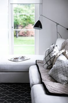 living room /// white, black and grey-brown tones