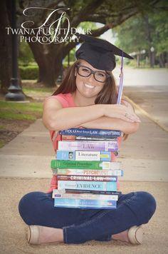 Senior Portrait / Photo / Picture Idea - Girls - Graduation Cap - Books - Reading