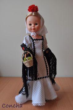 Una recopilación de mis conjuntos de Nancy, originales, réplicas y modelos propios. Camel, Harajuku, Diy And Crafts, Dolls, Madrid, Inspiration, American, Vintage, Ideas