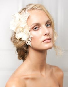 Peinados de novia con exquisitos tocados 13