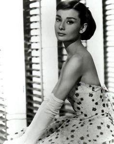 Déjate influenciar por Audrey Hepburn: Moda Vintage