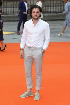 Kit Harington was named the worst-dressed man of 2017 and these 9 photos prove why - Mens Shirts Casual - Ideas of Mens Shirts Casual - Kit Harington beige pant and collarless button up shirt. Smart Casual Men, Casual Shirts For Men, Collarless Shirt Men, Chinos Men Outfit, Beige Pants Outfit, Shirt Collar Styles, Formal Men Outfit, Best Dressed Man, Kit Harington