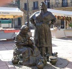 Hay más de 100 estatuas por toda la ciudad de Oviedo, todas tienen algo especial por tanto no puedes irte de la ciudad sin echarles el ojo, las hay en calles, en rotondas, a la entrada de edificios, en parques etc, y todas y cada una de ellas están dedicadas a alguien y están realizadas por escultores relevantes.
