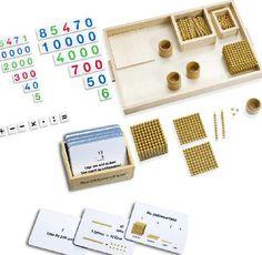 Goldenes Perlenmaterial mit Zahlenkarten und Arbeitskartei.