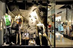 designer store window displays | ... window display Toronto Guess Queen St West window display, Toronto