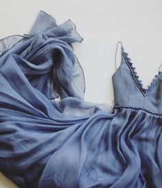 Sexy evening dress - Gorgeous deep periwinkle silk organza gown Structured V neck bodice with hand sewn embellished details – Sexy evening dress Sexy Evening Dress, Evening Dresses, Formal Dresses, Long Dresses, Blue Dresses, Pretty Dresses, Beautiful Dresses, Blue Gown, Silk Organza