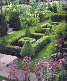 Previous Pinner: Garden at Temple Fuiting, a Cotswold manor by English garden designer Jinny Blom Formal Garden Design, English Garden Design, Formal Gardens, Outdoor Gardens, Garden Paths, Garden Landscaping, Garden Architecture, Longwood Gardens, Porches