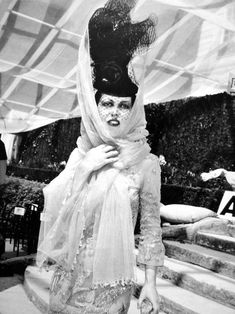 """My style icon is anyone who makes a bloody effort"""" Isabella Blow (1958-2007)"""