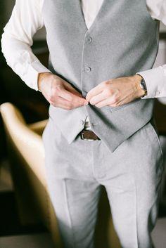 Casamento Fer e Dé | Making of do noivo - Tudo Orna