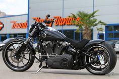 harley breakout black | Harley-Davidson Softail Breakout – Thunderbike Umbau