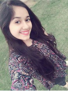 Safina tuhje bhi pata ha ki i love u so much lakin 😭😭 Safina be happy Lovely Girl Image, Cute Girl Photo, Girls Image, Teen Celebrities, Bollywood Celebrities, Celebs, Girls Dp Stylish, Stylish Girl Images, Sweet Girls