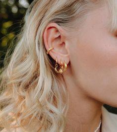 All dreamy earrings on one ear Dreamy Pieces by Nina @berriesandpassion Eve, Jewels, Earrings, Instagram, Ear Rings, Stud Earrings, Jewerly, Ear Piercings, Ear Jewelry