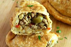 Cuban Empanadas {with homemade dough} - Tasty Ever After - photo of cut cuban beef empanadas showing the meat and olive mixture inside - Cuban Empanadas Recipe, Beef Empanadas, Cuban Dishes, Beef Dishes, Meat Hand Pie Recipe, Homemade Dough Recipe, Homemade Breads, Calzone, Salads