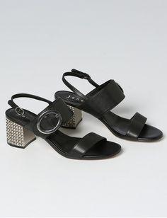 Sandal Jones Fashion, Mode Online, Elegant, Sandals, Heels, Red, Shopping, Dapper Gentleman, Slide Sandals