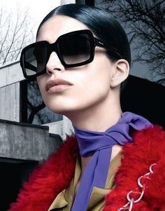 Conheça a coleção Prada Eyewear e apaixone-se pelos óculos que são dignos  de… a03aaaa64e