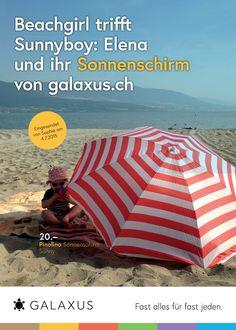 Beachgirl trifft Sunnyboy: Elena und ihr Sonnenschirm von galaxus.ch. #GalaxusLive #Galaxus