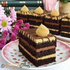 Prajitura Pompadour - un deliciu de demult - simonacallas Pastry Recipes, Sweets Recipes, Cookie Recipes, Moka, Snickers Cheesecake, Choux Pastry, Biscuit Cookies, Cupcakes, Special Recipes