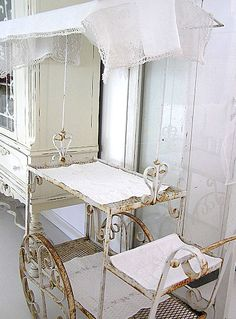 Shabby tea cart is a wonderful find. Serving a garden tea would be sweet from here. Shabby Chic Cottage, Shabby Chic Style, Shabby Chic Homes, Shabby Chic Decor, Antique Tea Cart, Gold Bar Cart, Bar Cart Decor, Iron Decor, Shabby Vintage