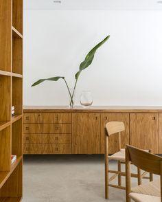 Casa Sumaré entworfen von Felipe Hess - Artikel über den brasilianischen Architekten auf: http://www.leuchtend-grau.de/2014/03/das-helle-apartment-von-felipe-hess.html