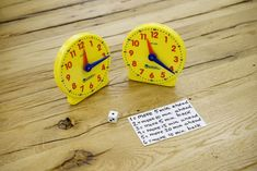 Rush Hour Game (Learn to tell time) Teaching Time, Teaching Math, Kindergarten Math, Teaching Ideas, Preschool, Math Games, Math Activities, Learning Games, Learning Resources